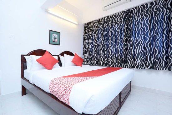 OYO 15669 Hotel Galaxy Inn