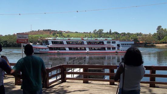 Navegacao Fluvial Medio Tiete: Passeio pelo Rio Tietê, com o navio San Marino.