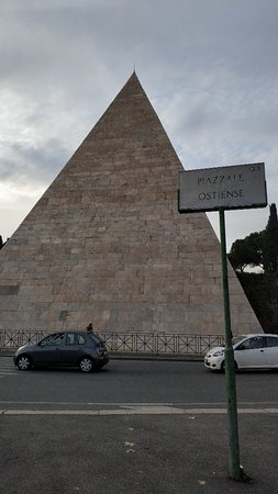 Piramide Cestia 사진