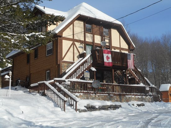 "Great Valley, Estado de Nueva York: Lodge # 2 "" Yoedler Trio Chalet sleeps 16-30 comfortably."