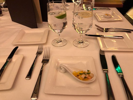 Atlantis Steakhouse at Atlantis Casino Resort Spa: The night started with an amuse bouche