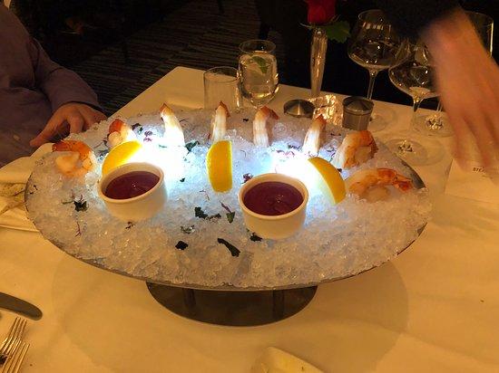 Atlantis Steakhouse at Atlantis Casino Resort Spa: Shrimp Cocktail with some subtle flair- lol