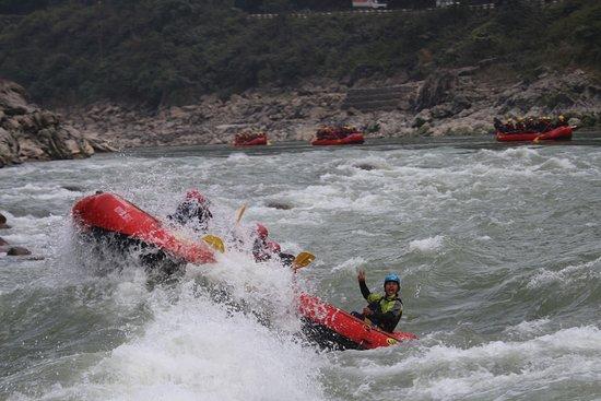 Trishuli River Side Resort: Landslide Rapid
