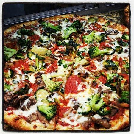 New Hyde Park, NY: Vegetable pizza