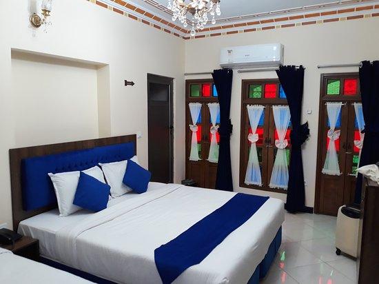 Колоритная гостиница с очень дружелюбным и гостеприимным персоналом!