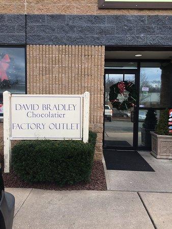 Windsor, NJ: Entrance