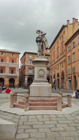 Monumento a Luigi Galvani: Il monumento
