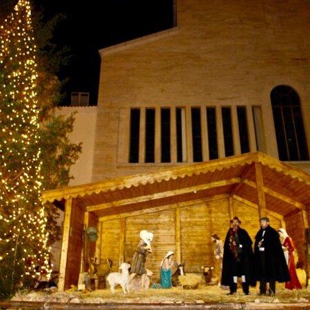 Santuario Padre Pio : Carissimi auguri di buon Natale dai luoghi di Padre Pio 😍. Dearest wishes of a Merry Christmas from the places of Padre Pio.😍
