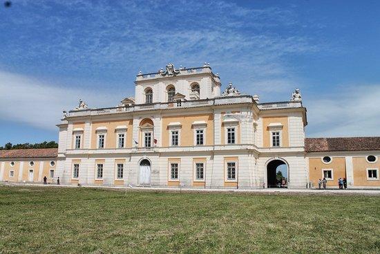 San Tammaro, Italië: Particolari del real sito di Carditello