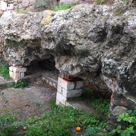 Uri, Italie: Complesso Nuragico di Santa Caterina