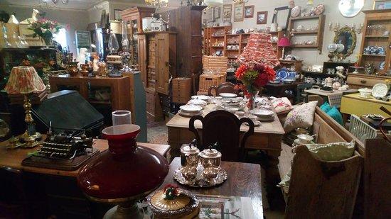 TwoJays Corner Antiques & Vintage