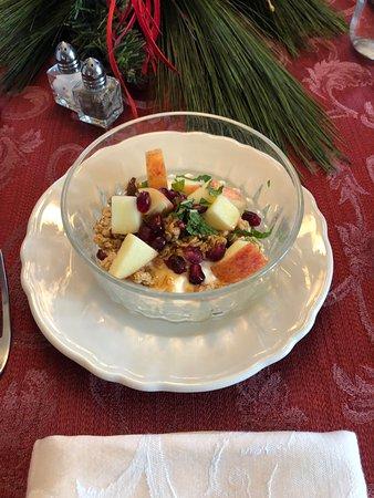 Rocheport, MO: A wonderful breakfast parfait, freshly prepared by Dawson.