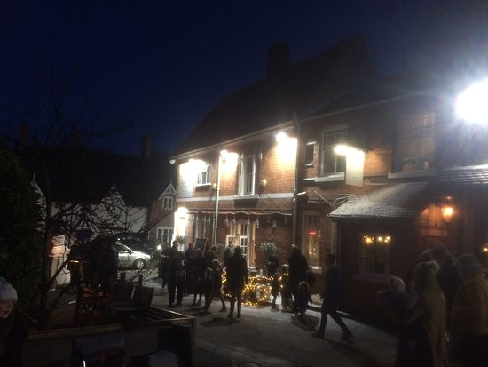 Woodhouse Eaves, UK: Christmas Eve at The Pear Tree
