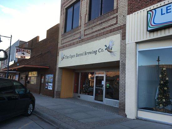 Torrington, WY: Entrance to Open Barrel Brewing Company