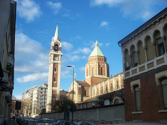 Basilica di Santa Maria di Lourdes
