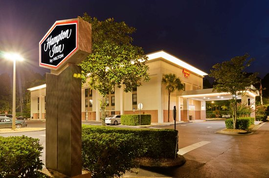 โรงแรมแฮมป์ตันอินน์ เมาท์ดอร่า