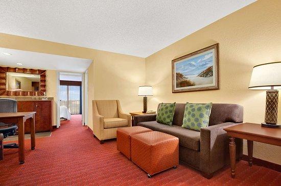 โรงแรมเอมบาสซีสวีทส์ ออร์ลันโดนอร์ท