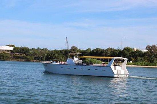 比斯坎湾的Bayside Blaster游轮