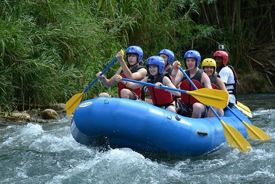 Aventura de rafting en Jamaica por el...