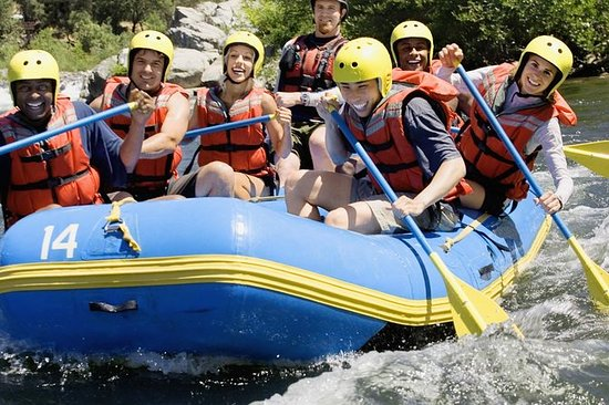 Excursion de rafting en eau blanche...