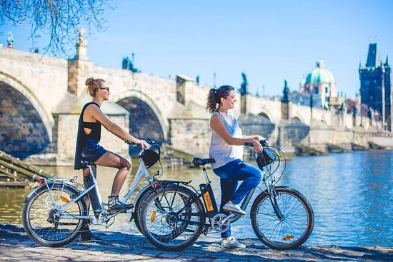 Historisk Praha guidet E-Bike Tour