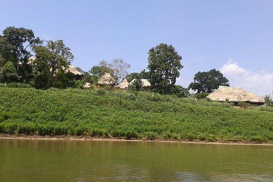 パナマシティからのEmbera Reserveツアー
