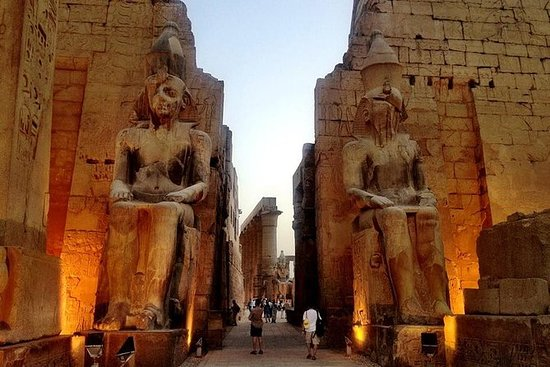 Luxor Tour with Traditional Lunch and...