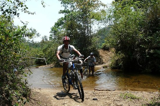Langbiang山和Bidoup Nui Ba国家公园的山地自行车之旅