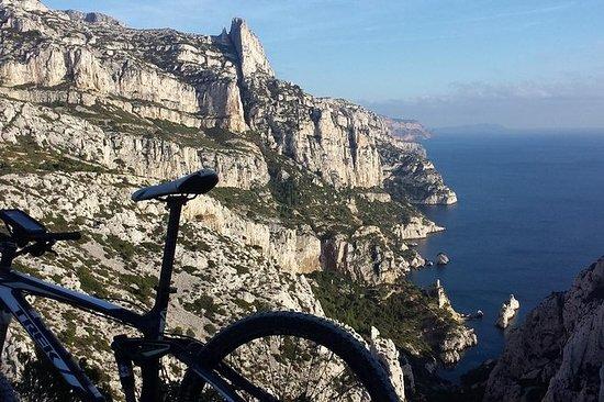 马赛Calanques越野电动自行车之旅