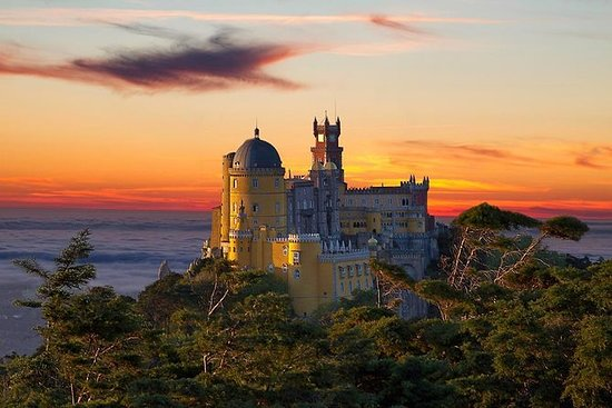 Sintra Full Day Small Group Tour: La...