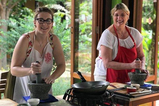 Cours de cuisine thaïe authentique à...