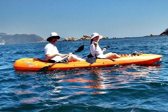 Kayaking Tour with Lunch in Acapulco