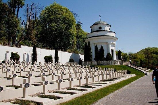Visita privada del cementerio de...