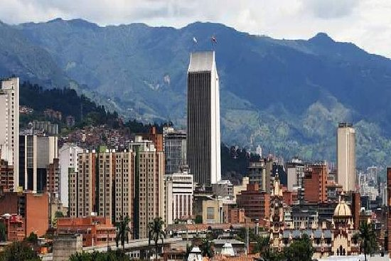 Medellín City Comuna 13 og Arvi Park...