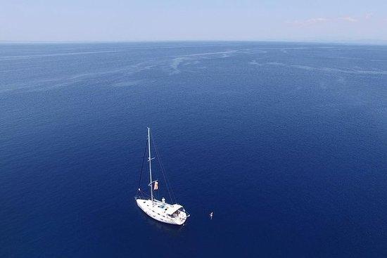 Gita in barca a vela in Calcidica