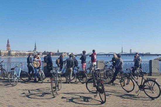 Dagelijkse fietstocht door Riga