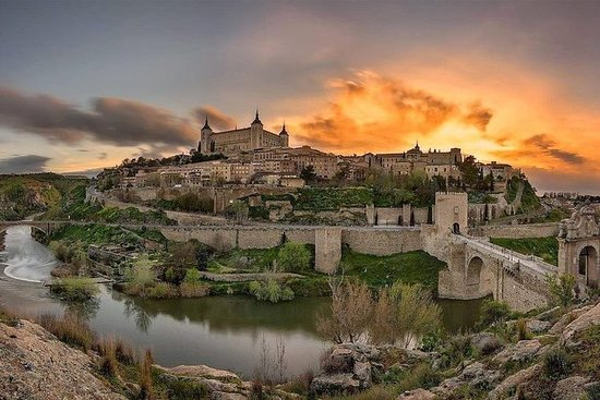 Discover Toledo: A UNESCO Tour from...