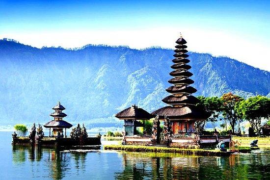 Templos da água de Bali durante todo...