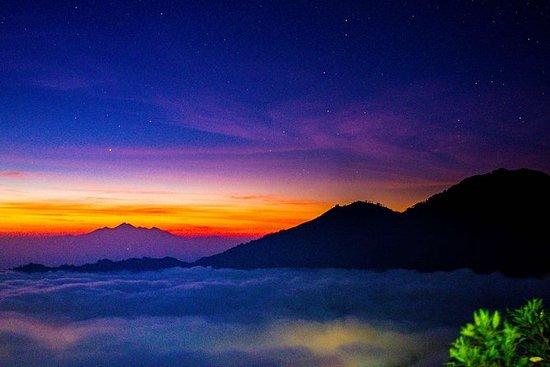 Nascer do sol do vulcão Batur...
