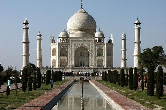 来自新德里的阿格拉一日游参观泰姬陵和阿格拉堡