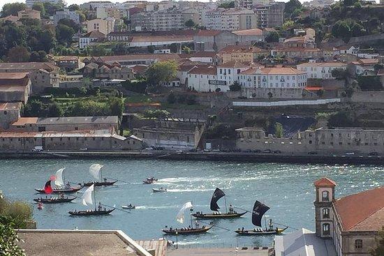 Traslado privado de Oporto a Lisboa o...