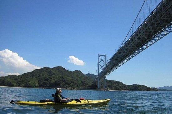 海上皮划艇之旅和午餐!在广岛乘坐海上皮划艇进行为期一天的冒险