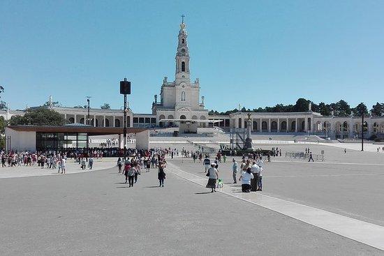 探索Fátima和Nazaré作为朝圣者和中世纪的Obidos!