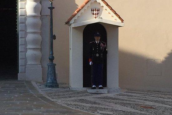 Eze landsby og Monaco om natten 4...