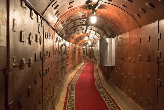 Bunker 42 et croisière sur le fleuve...