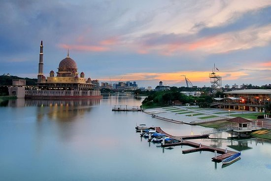 Tasik Cruise Putrajaya Experience
