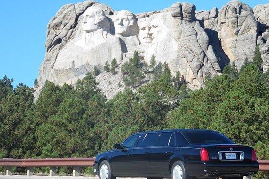 私人六门凯迪拉克豪华轿车游览拉什莫尔山 - 荒地--Devils塔