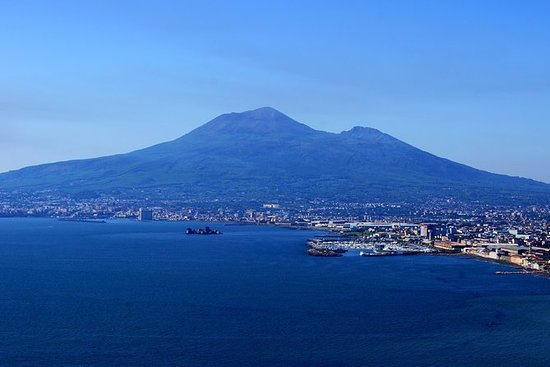 Pompeii, Mt Vesuvius and Herculaneum...