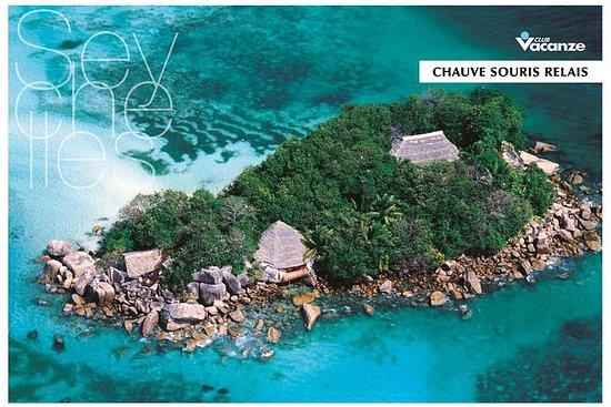 Tour of the island of Chauve Souris...
