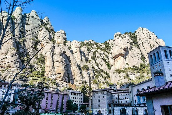 Experience Montserrat (5 hours)